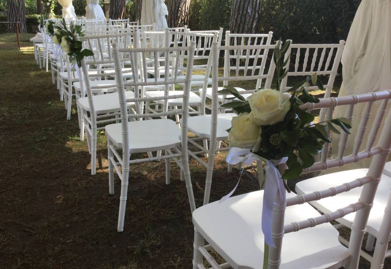 Floral designer for wedding celebrations