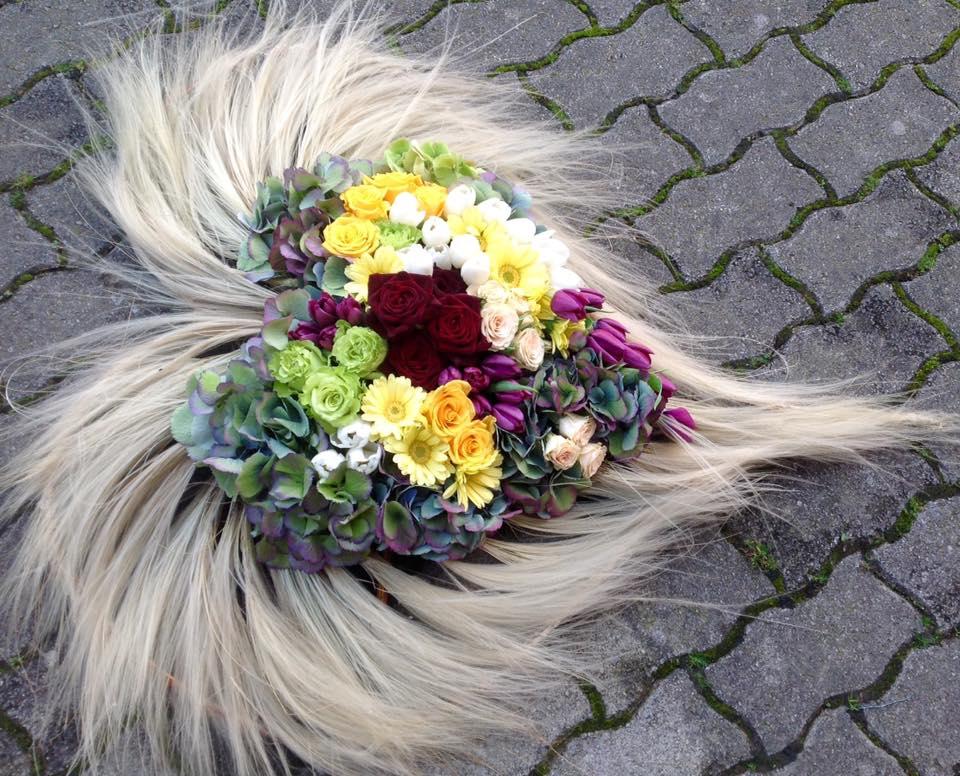 Allestimento floreale per funerali